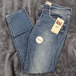 NWT lei Size 11 Low Rise Skinny Jeans